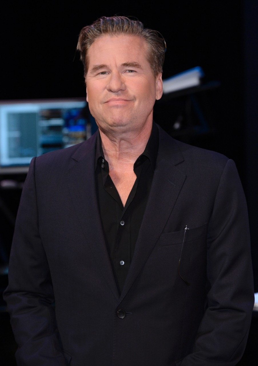 val kilmer reportedly rushed to hospital for throat tumor