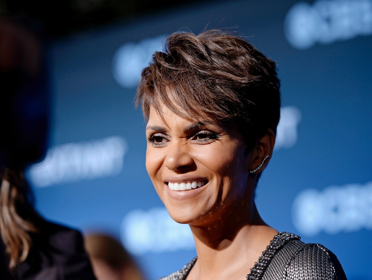 Halle Berry says plastic surgery pushed like crack in Hollywood
