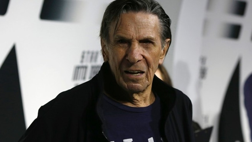 "Cast member Leonard Nimoy poses at the party for the release of the Blu-Ray DVD of ""Star Trek Into Darkness"" at the California Science Center in Los Angeles, California September 10, 2013.   REUTERS/Mario Anzuoni  (UNITED STATES - Tags: ENTERTAINMENT) - RTX13H5S"