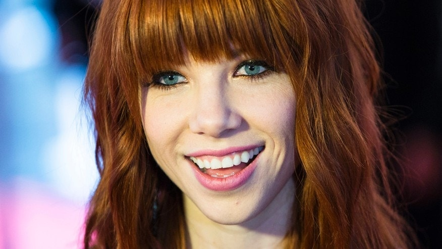 Allan Slaight Award recipient Carly Rae Jepsen arrives during Canada's Walk of Fame induction ceremonies in Toronto, September 21, 2013.    REUTERS/Mark Blinch (CANADA - Tags: ENTERTAINMENT HEADSHOT) - RTX13TXT