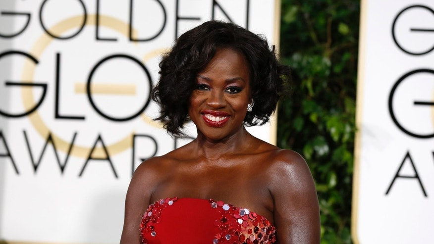 Actress Viola Davis arrives at the 72nd Golden Globe Awards in Beverly Hills, California January 11, 2015.   REUTERS/Mario Anzuoni (UNITED STATES  - Tags: ENTERTAINMENT)  (GOLDENGLOBES-ARRIVALS) - RTR4KZBY