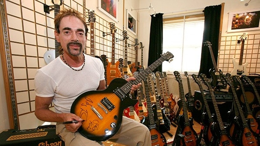Free bassist Andy Fraser.
