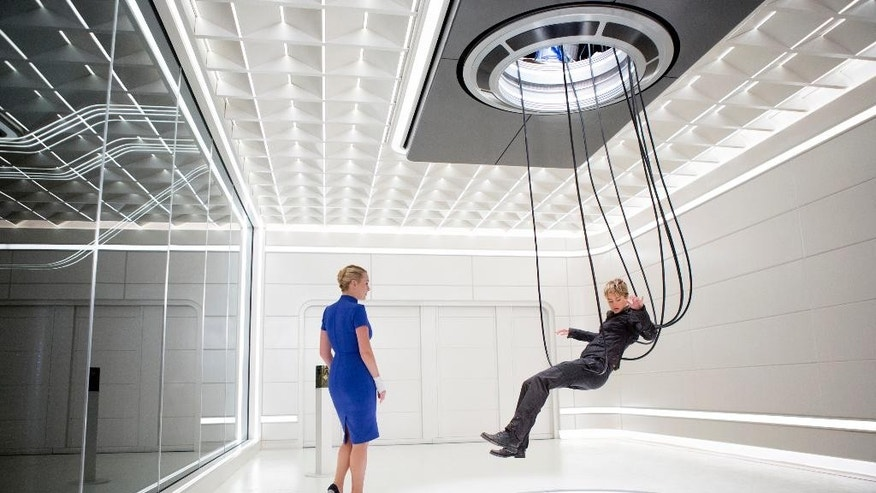 "This photo provided by Lionsgate shows, Kate Winslet, left, as Jeanine, and Shailene Woodley, as Tris, in a scene from the film, ""The Divergent Series: Insurgent.""  The movie opens in U.S. theaters Friday, March 20, 2015.  (AP Photo/Lionsgate, Andrew Cooper)"