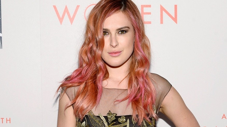 "Actress Rumer Willis arrives for the L.A. Gay & Lesbian Center's Annual ""An Evening With Women"" event in Beverly Hills, California May 10, 2014. REUTERS/Kevork Djansezian  (UNITED STATES - Tags: ENTERTAINMENT) - RTR3OLZW"