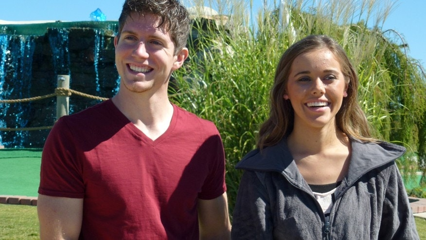 "Ben Seewald (left) and Jessa Duggar on TLC's ""19 Kids and Counting."""