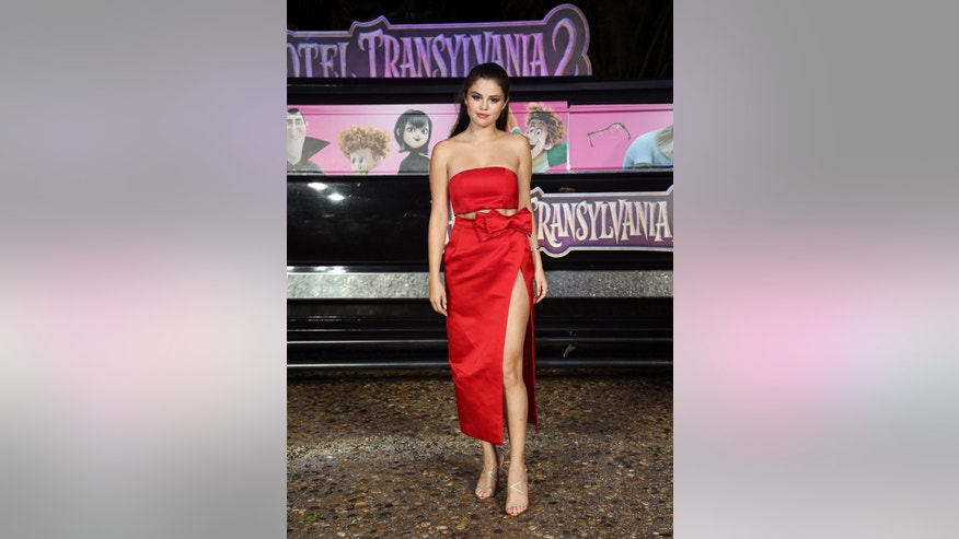 "Selena Gomez attends the ""Hotel Transylvania 2"" photo call on June 14, 2015 in Cancun, Mexico."