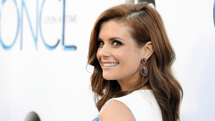"FILE - In this Sept. 21, 2014 file photo, actress JoAnna Garcia Swisher attends a special screening of the season four premiere of the ABC series ""Once Upon a Time""in Los Angeles. Garcia Swisher stars in âThe Astronaut Wives Club,â based on the real group of women whose husbands were in the space program. As their husbands became famous, so did the wives. The 10-episode series premieres Thursday, June 18  at 8 p.m. EDT on ABC.  (Photo by Dan Steinberg/Invision/AP, File)"
