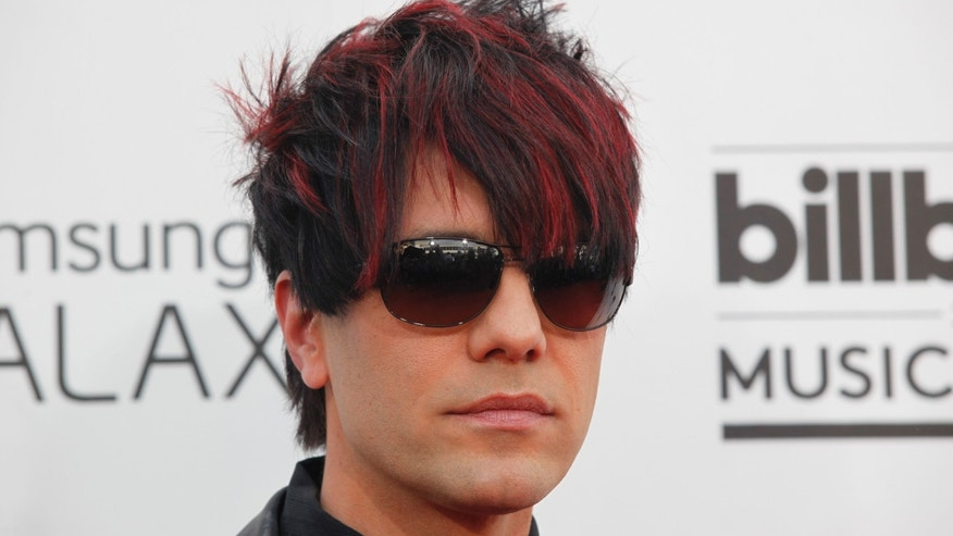 Magician Criss Angel arrives at the 2014 Billboard Music Awards in Las Vegas, Nevada May 18, 2014.  REUTERS/L.E. Baskow  (UNITED STATES-Tags: ENTERTAINMENT)(BILLBOARDAWARDS-ARRIVALS) - RTR3PQXH