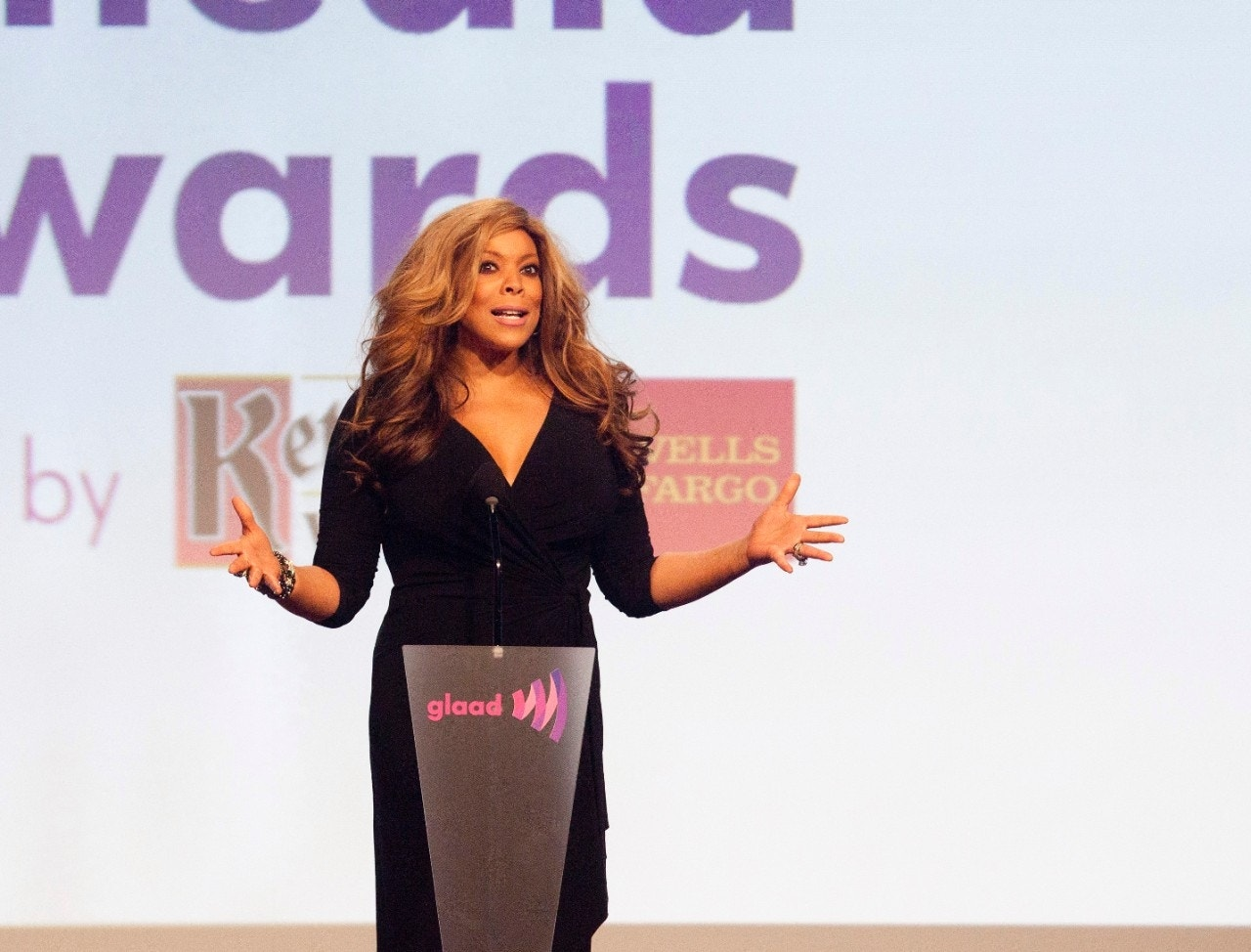 Wendy Williams falls off stage during comedy show