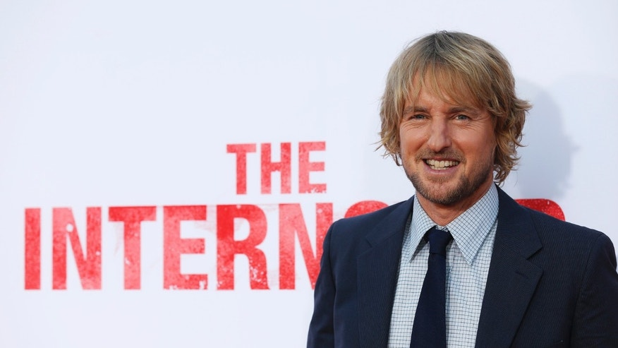 "Cast member Owen Wilson poses at the premiere of ""The Internship"" at the Regency Village theatre in Los Angeles, California May 29, 2013. The movie opens in the U.S. on June 7. REUTERS/Mario Anzuoni  (UNITED STATES - Tags: ENTERTAINMENT) - RTX105OW"