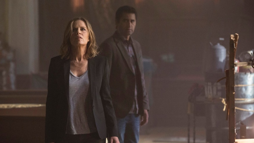 "CORRECTS CHARACTER NAMES, TO MADISON FROM MIRANDA, AND TO TRAVIS FROM SEAN, AND PHOTOGRAPHER TO FRANK OCKENFELS 3, FROM JUSTIN LUBIN  This photo provided by AMC shows, Kim Dickens, left, as Madison and Cliff Curtis as Travis in a scene from ""Fear the Walking Dead,"" season 1. The series, a spinoff to AMCâs âThe Walking Dead,â debuts 9 p.m. EST Sunday, Aug. 23, 2015. (Frank Ockenfels 3/AMC via AP)"