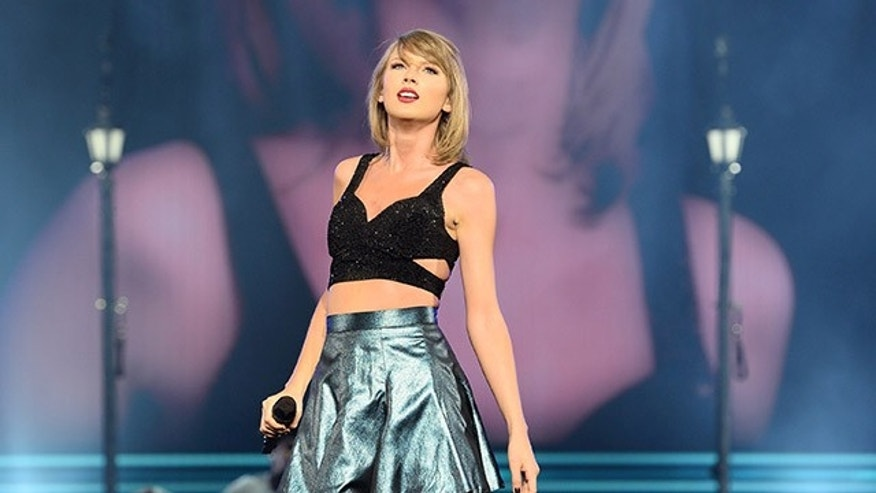 DUBLIN, IRELAND - JUNE 30:  Taylor Swift brings the 1989 World tour to 3Arena on June 30, 2015 in Dublin, Ireland.  (Photo by Carrie Davenport/TAS/Getty Images for TAS)
