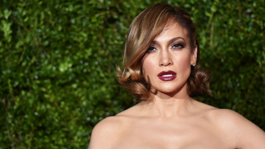 NEW YORK, NY - JUNE 07:  (EDITORS NOTE: Image has been processed using digital filters.) Jennifer Lopez attends the 2015 Tony Awards at Radio City Music Hall on June 7, 2015 in New York City.  (Photo by Mike Coppola/Getty Images for Tony Awards Productions)