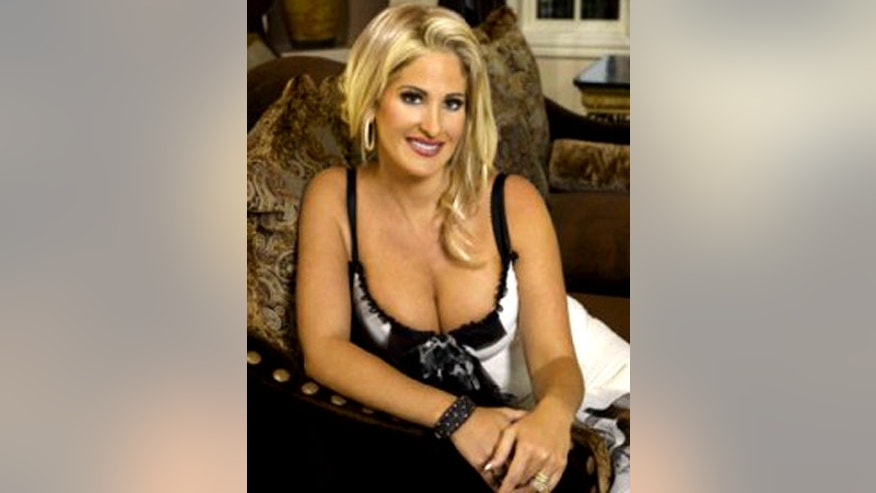 "Kim Zolciak went by the name ""Barbi"" in the early 2000s, an insider tells Pop Tarts."