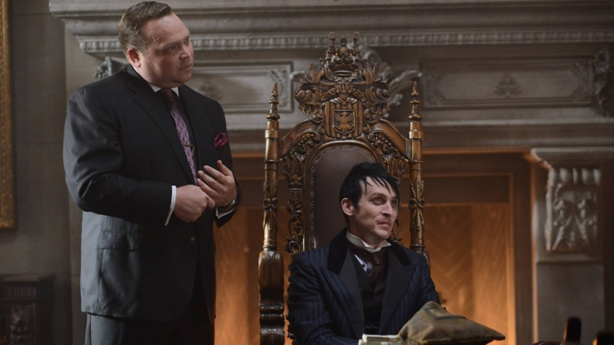 GOTHAM: (L-R) Butch Gilzean (Drew Powell) and Penguin (Robin Lord Taylor) in the ÃDamned if you Do,à à Season Two premiere of GOTHAM airing Monday, Sept. 21 (8:00-9:00 PM ET/PT) on FOX. ©2015 Fox Broadcasting Co. Cr: Nicole Rivelli/FOX
