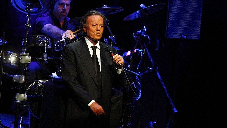 "BARCELONA, SPAIN - JULY 04:  Julio Iglesias performs ""Julio Iglesias In Concert At Gran Teatre del Liceu"" on July 4, 2012. (Photo by Miquel Benitez/Getty Images)"
