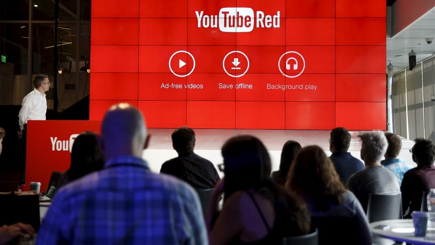 YouTube Vice President of Product Management Matthew Glotzbach unveils their new paid subscription service at the YouTube Space LA in Playa Del Rey, Los Angeles, California, United States October 21, 2015. Alphabet Inc's YouTube will launch a $10-a-month subscription option in the United States on October 28 that lets viewers watch videos from across the site without interruption from advertisements, the company said on Wednesday. REUTERS/Lucy Nicholson - RTS5IZU
