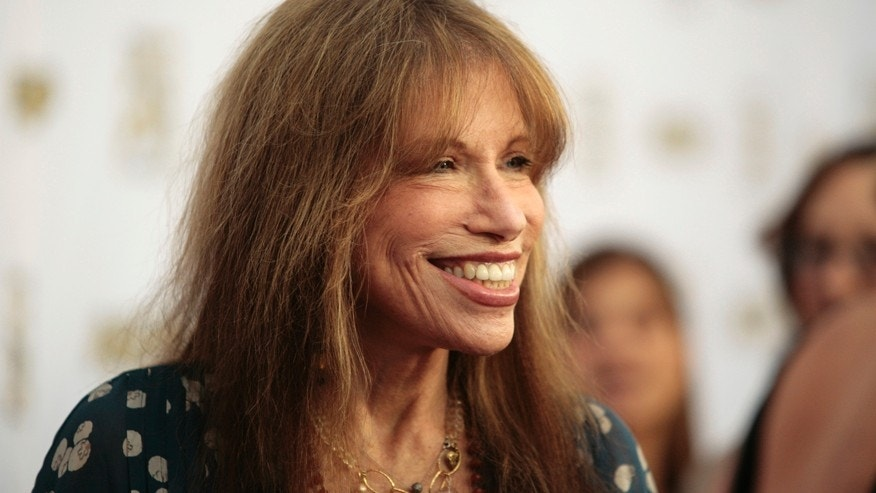 Singer-songwriter Carly Simon arrives at the 29th Annual ASCAP Pop Music Awards in Hollywood, California April 18, 2012.
