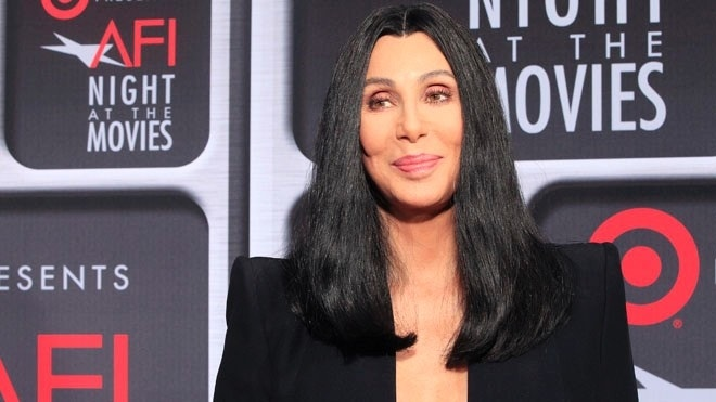 Cher donates thousands of bottles of water to troubled Flint