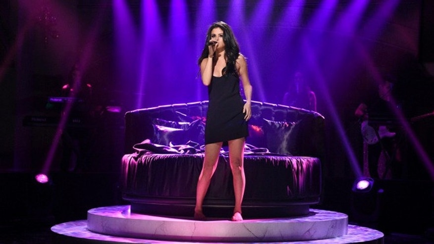 "SATURDAY NIGHT LIVE -- ""Ronda Rousey"" Episode 1694 -- Pictured: Musical guest Selena Gomez performs on January 23, 2016 -- (Photo by: Dana Edelson/NBC)"
