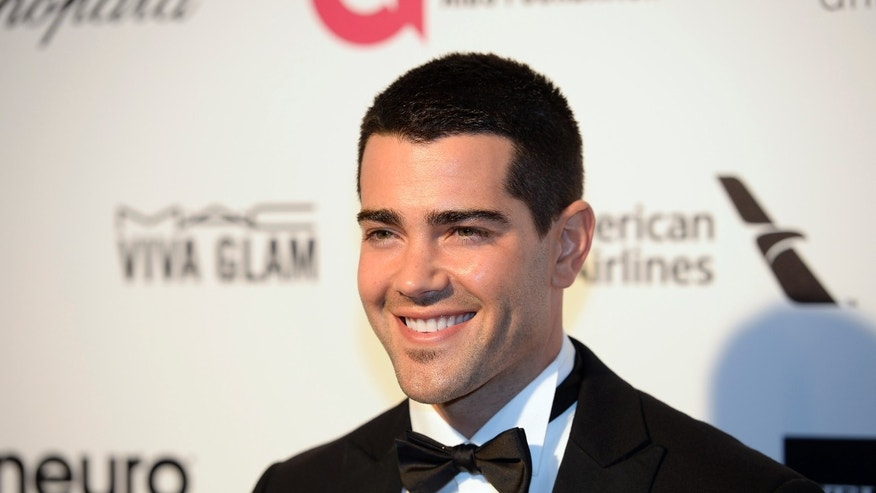 Actor Jesse Metcalfe arrives at the 2015 Elton John AIDS Foundation Oscar Party in West Hollywood, California February 22, 2015. REUTERS/Gus Ruelas (UNITED STATES TAGS: ENTERTAINMENT) (OSCARS-PARTIES) - RTR4QO1I