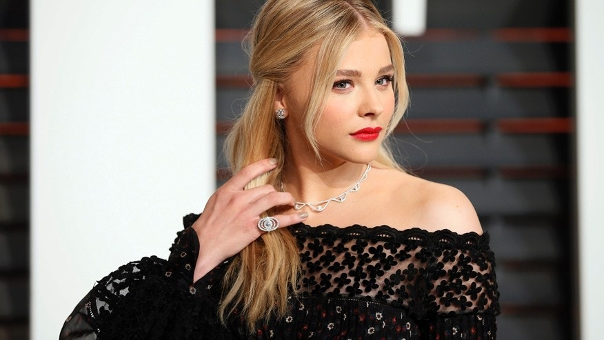 Actress Chloe Grace Moretz arrives at the 2015 Vanity Fair Oscar Party in Beverly Hills, California February 22, 2015.
