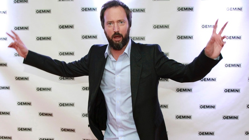 Actor Tom Green poses on the red carpet at the 26th Gemini Awards in Toronto September 7, 2011. REUTERS/Brett Gundlock (CANADA - Tags: ENTERTAINMENT) - RTR2QXP0