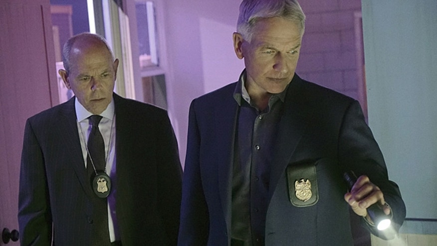 Gibbs (Mark Harmon, right) and Senior FBI Agent T.C. Fornell (Joe Spano, left) unite after two British prisoners, including a former spy, escape and arrive stateside via a shipping container. (Bill Inoshita/CBS)