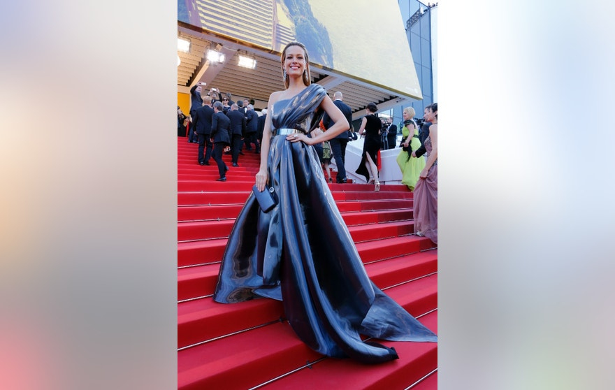 Model Petra Nemcova poses for photographers upon arrival at the screening of the film Julieta at the 69th international film festival, Cannes, southern France, Tuesday, May 17, 2016. (AP Photo/Lionel Cironneau)