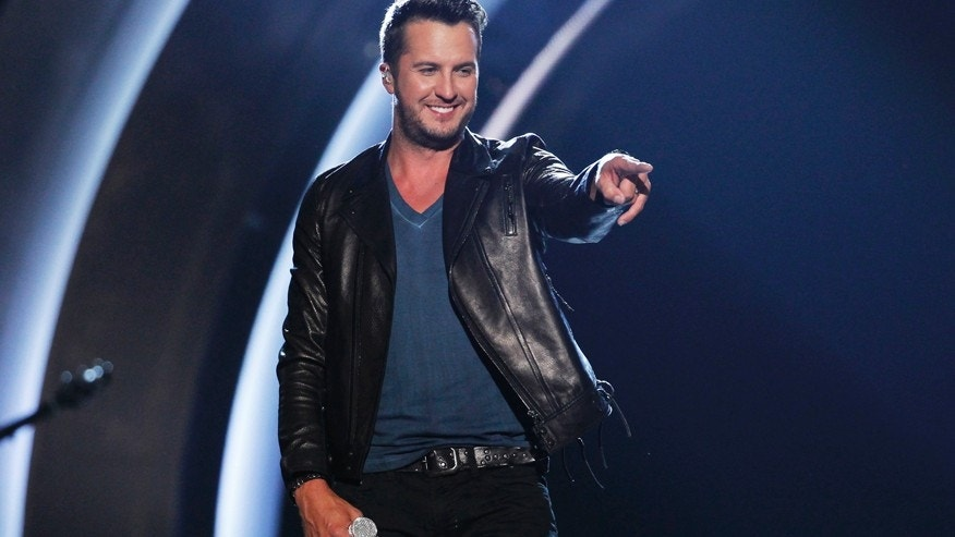 Luke Bryan suffered a wardrobe malfunction while performing on the 'Today' show.