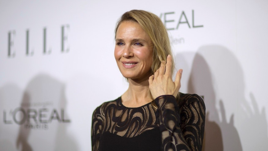 Actress Renee Zellweger poses at the 21st annual ELLE Women in Hollywood Awards in Los Angeles, California October 20, 2014.  REUTERS/Mario Anzuoni  (UNITED STATES - Tags: ENTERTAINMENT) - RTR4AXJW