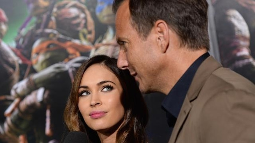 "Megan Fox poked fun of ""Turtles"" co-star Will Arnett's girlfriends."