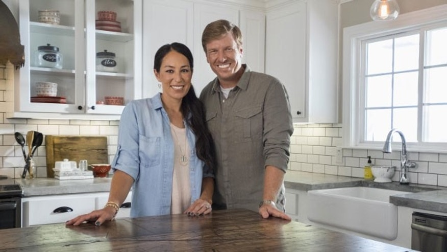 "Joanna Gaines (left) and husband Chip of HGTV's ""Fixer Upper."""