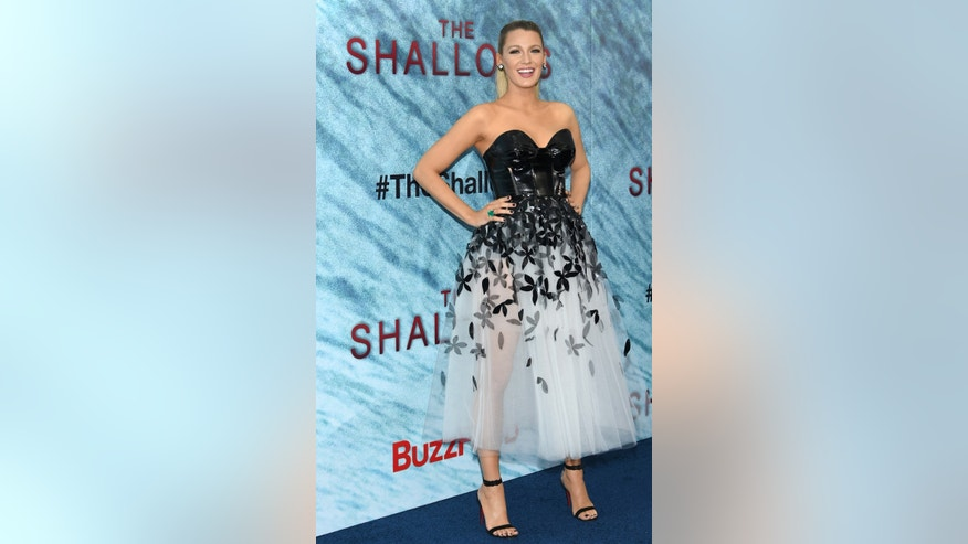 "Blake Lively attends the world premiere of ""The Shallows"" at the AMC Loews Lincoln Square on Tuesday, June 21, 2016, in New York. (Photo by Evan Agostini/Invision/AP)"