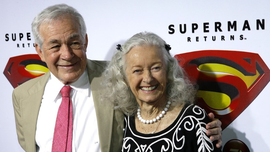 Actors Jack Larson (L) and Noel Neill, who played Jimmy Olsen and Lois Lane respectively in the 1952 Superman television series, pose for photograph during the Superman Returns DVD and video game launch party in Hollywood November 16, 2006. REUTERS/Gus Ruelas (UNITED STATES) - RTR1JF2P