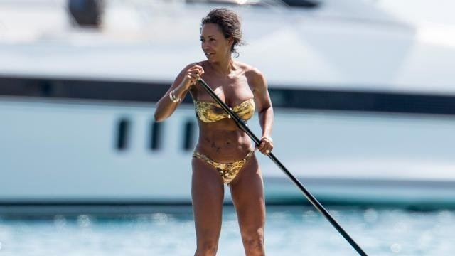 Mel B shows off 30-pound weight loss in bikini
