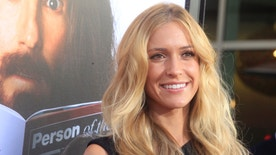 """Actress Kristin Cavallari arrives as a guest for the HBO Films presentation """"Clear History"""" premiere in Hollywood July 31, 2013.  REUTERS/Fred Prouser (UNITED STATES - Tags: ENTERTAINMENT) - RTX126NK"""