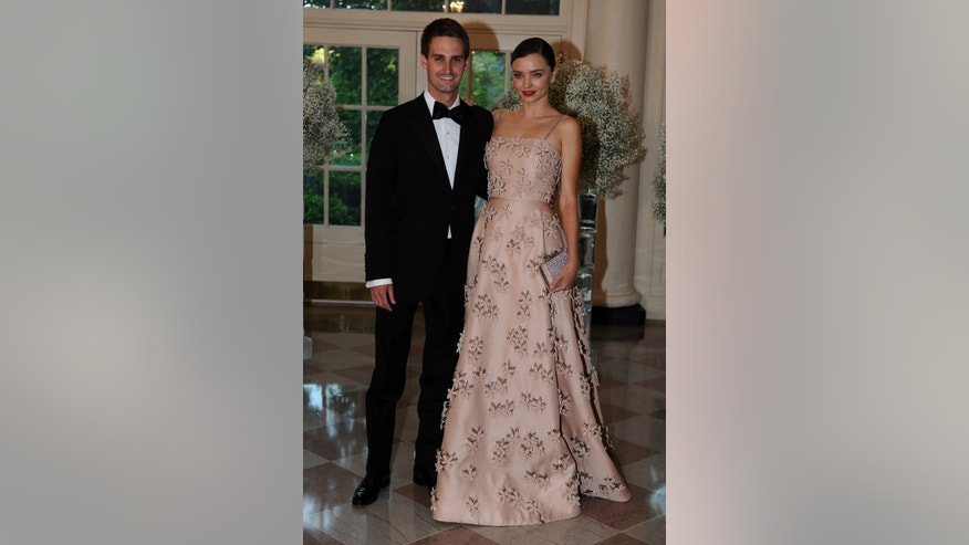 Miranda kerr engaged to snapchat ceo evan spiegel fox news for Spiegel news