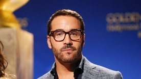 Actor Jeremy Piven attends the nominations announcement for the 72nd annual Golden Globe Awards in Beverly Hills, California December 11, 2014. The awards will be presented on January 11, 2015. REUTERS/Danny Moloshok (UNITED STATES - Tags: ENTERTAINMENT) - RTR4HMSW