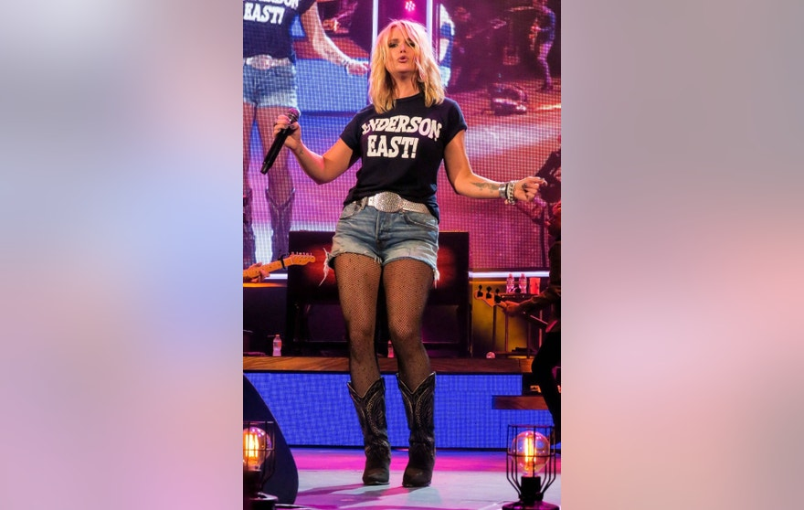 Miranda Lambert wears an Anderson East (who is her rumored new boyfriend) t-shirt on stage on the Keepers of the Flame tour at Irvine Meadows in Irvine, CA