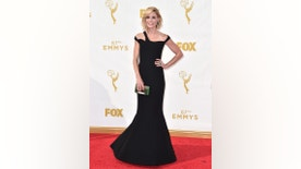 Julie Bowen arrives at the 67th Primetime Emmy Awards on Sunday, Sept. 20, 2015, at the Microsoft Theater in Los Angeles. (Photo by Jordan Strauss/Invision/AP)