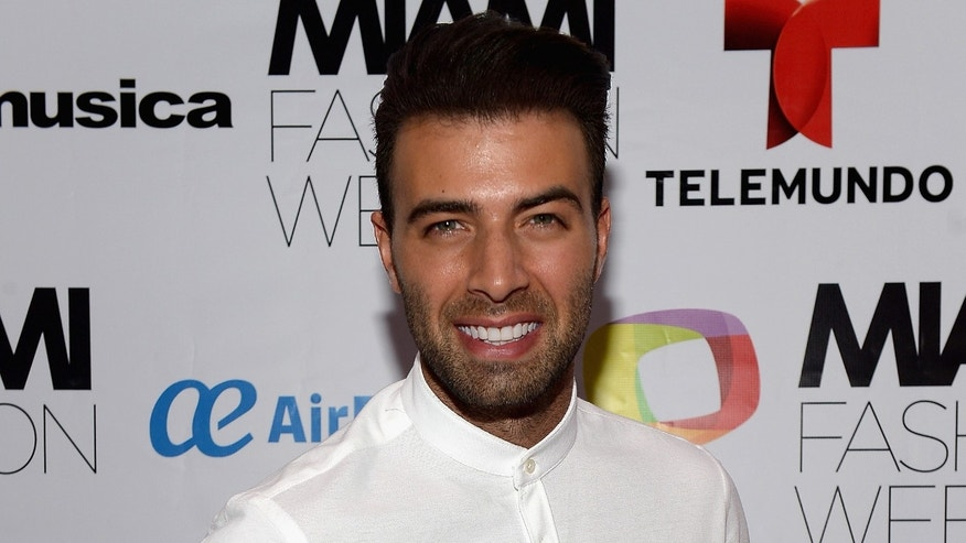MIAMI BEACH, FL - JUNE 05:  Jencarlos Canela attends Miami Fashion Week closing night party at New World Center on June 5, 2016 in Miami Beach, Florida.  (Photo by Gustavo Caballero/Getty Images)