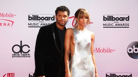 NFL football athlete Russell Wilson and singer Ciara arrive at the 2016 Billboard Awards in Las Vegas, Nevada, U.S., May 22, 2016.  REUTERS/Steve Marcus - RTSFFXV
