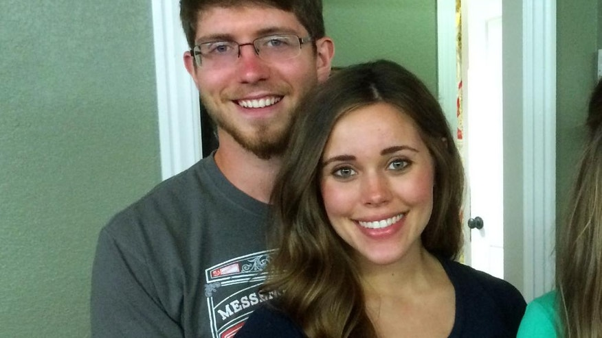 """This image released by TLC shows, Ben Seewald, left, and Jessa Seewald, stars of the reality series, """"Jill & Jessa Counting On."""""""