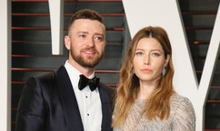 Justin Timberlake and Jessica Biel arrive at the Vanity Fair Oscar Party in Beverly Hills, California February 28, 2016.  REUTERS/Danny Moloshok - RTS8HZR