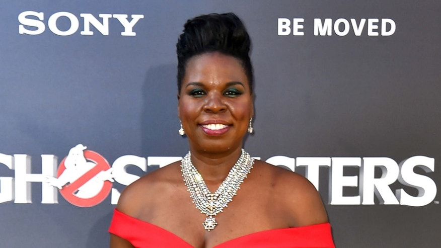"Leslie Jones arrives at the ""Ghostbusters"" premiere."