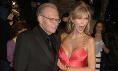 Larry King and his wife Shawn arrive at the Vanity Fair Oscar Party at Mortons in West Hollywood, California March 5, 2006. - RTXOD4U