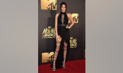 Model Kendall Jenner arrives at the 2016 MTV Movie Awards in Burbank, California April 9, 2016. REUTERS/Phil McCarten - RTX299I0