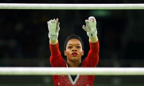 2016 Rio Olympics - Artistic Gymnastics - Final - Women's Uneven Bars Final - Rio Olympic Arena - Rio de Janeiro, Brazil - 14/08/2016. Gabrielle Douglas (USA) of USA (Gabby Douglas) competes.   REUTERS/Mike Blake FOR EDITORIAL USE ONLY. NOT FOR SALE FOR MARKETING OR ADVERTISING CAMPAIGNS.   - RTX2KSFI