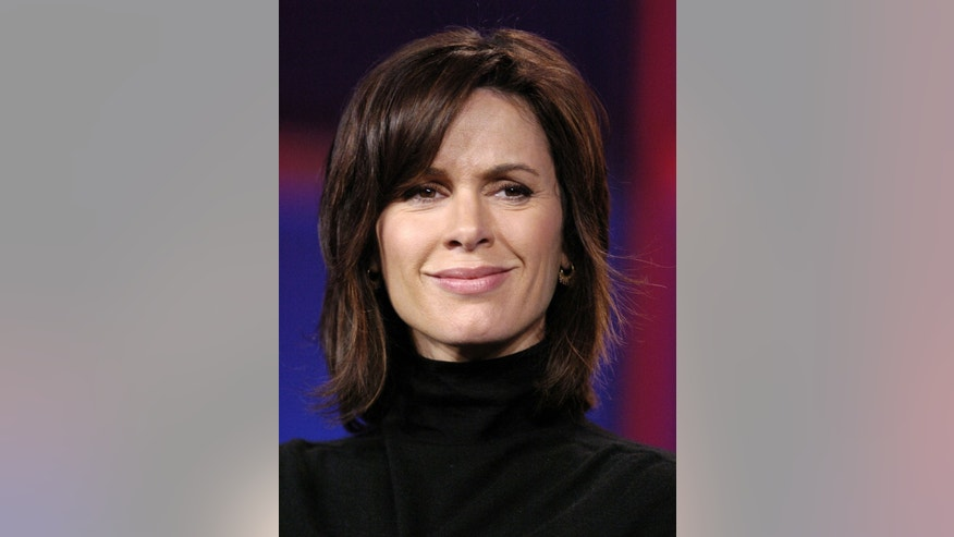 "Elizabeth Vargas, co-host of ABC's ""World News Tonight"", attends the Television Critics Association press tour in Pasadena, California January 21, 2006."